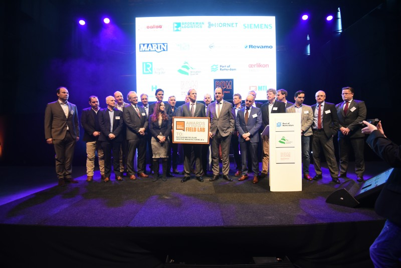 Fifteen companies, including M2i, have signed a letter of intent to participate in the Fieldlab. This picture is taken at the 3D Printing Conference on 11 February 2016 at RDM.
